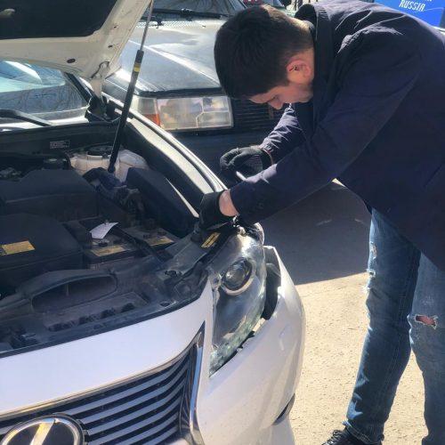 Эксперт-техник Дмитрий, осмотр Lexus